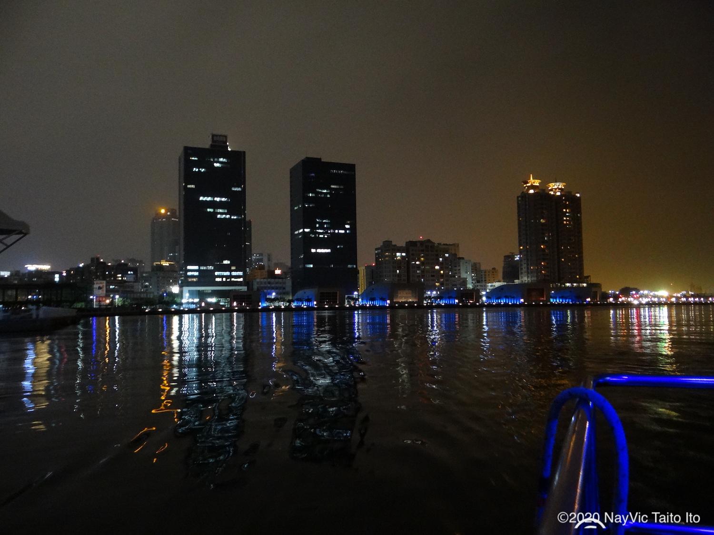 船から見る台湾の夜景